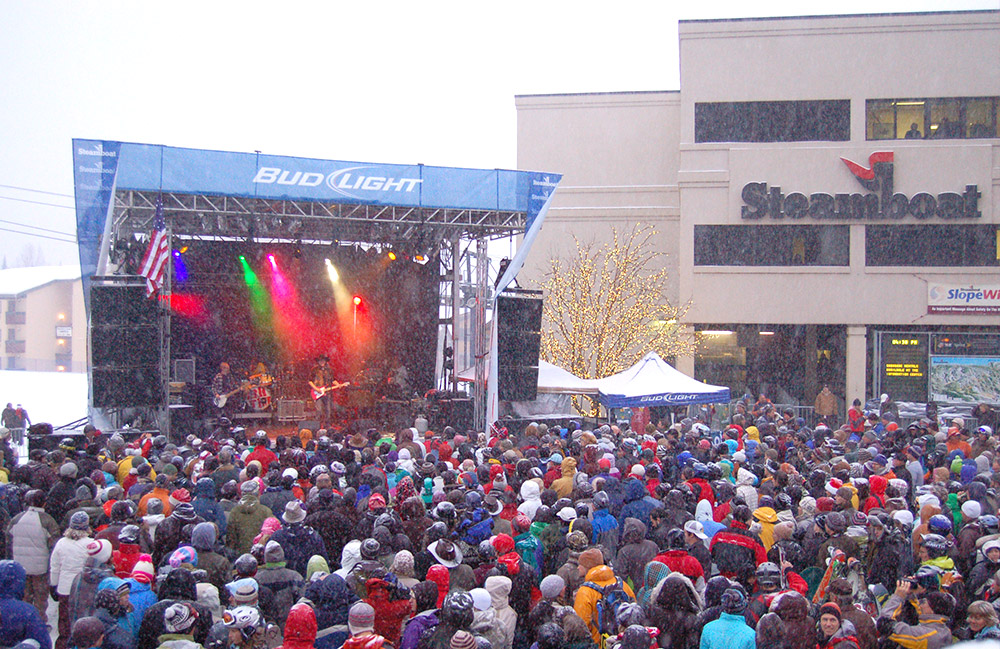 Bud Light Rocks the Boat Free Concert Series
