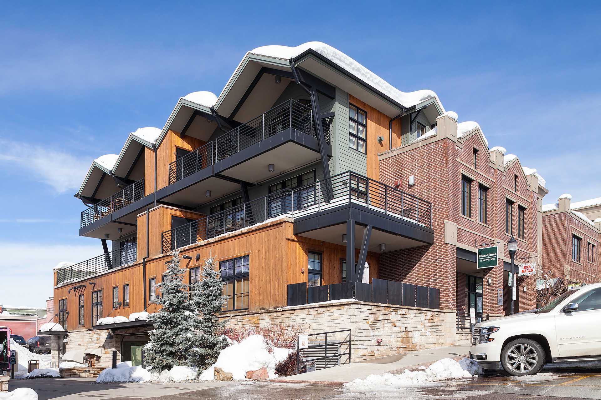 ALP2C - Alpenglow Condominiums