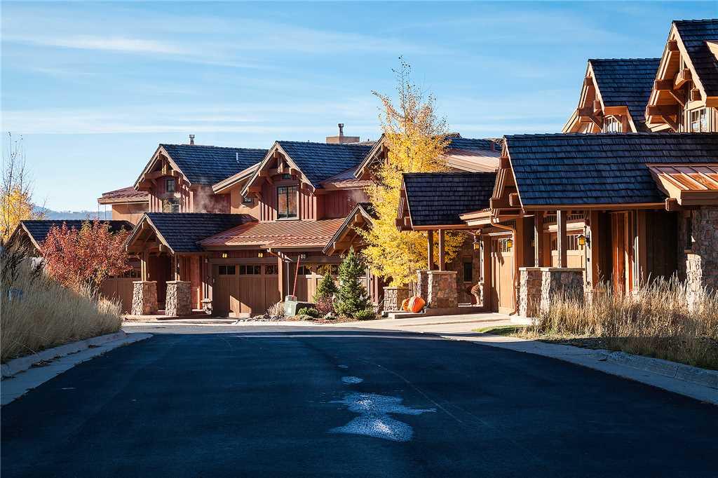 C1355 - Chadwick Estate Villas