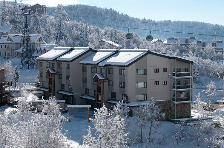 Norwegian log condominiums steamboat springs vacation for Steamboat springs cabins for rent