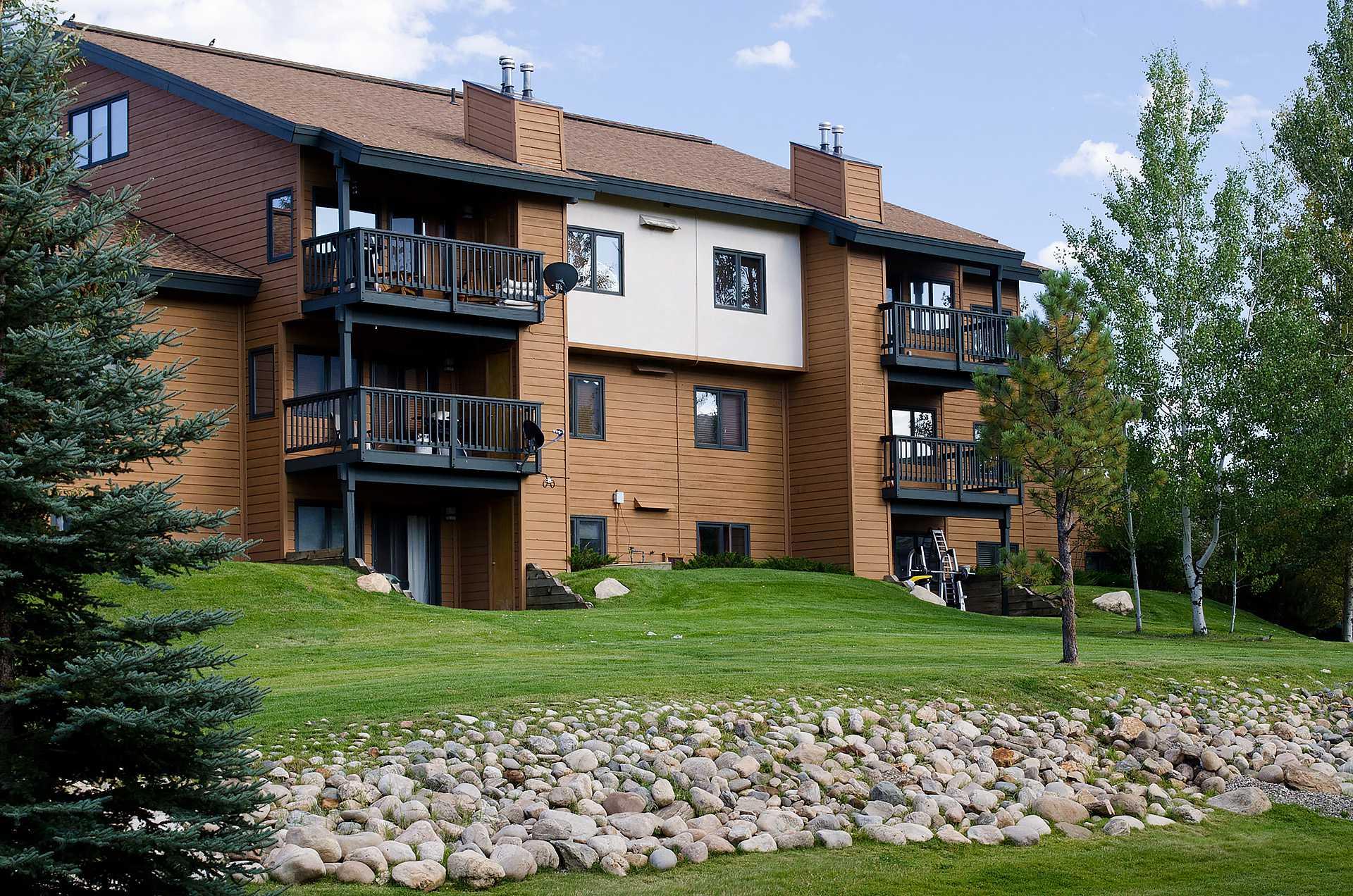 P106D - The Pines Condominiums