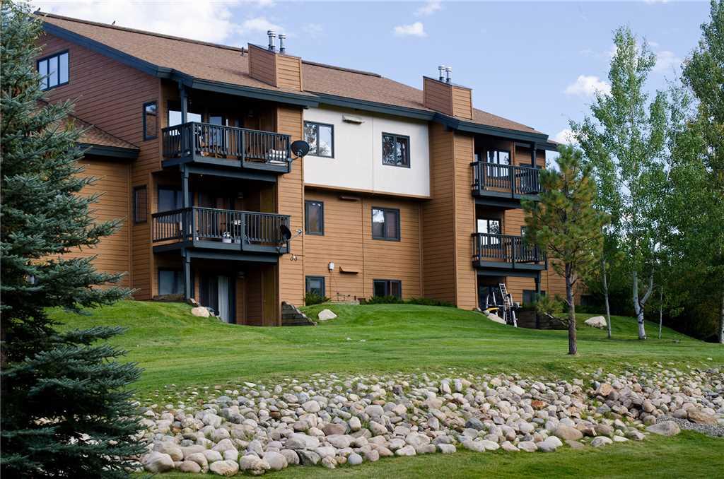 P302E - The Pines Condominiums