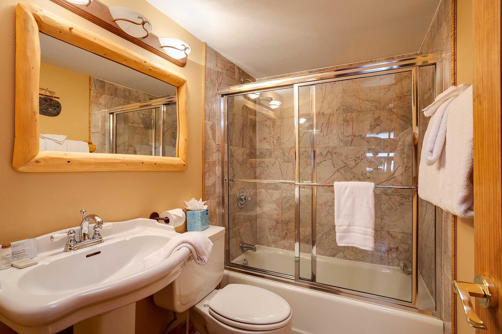 RC307 - RidgeCrest Condominiums