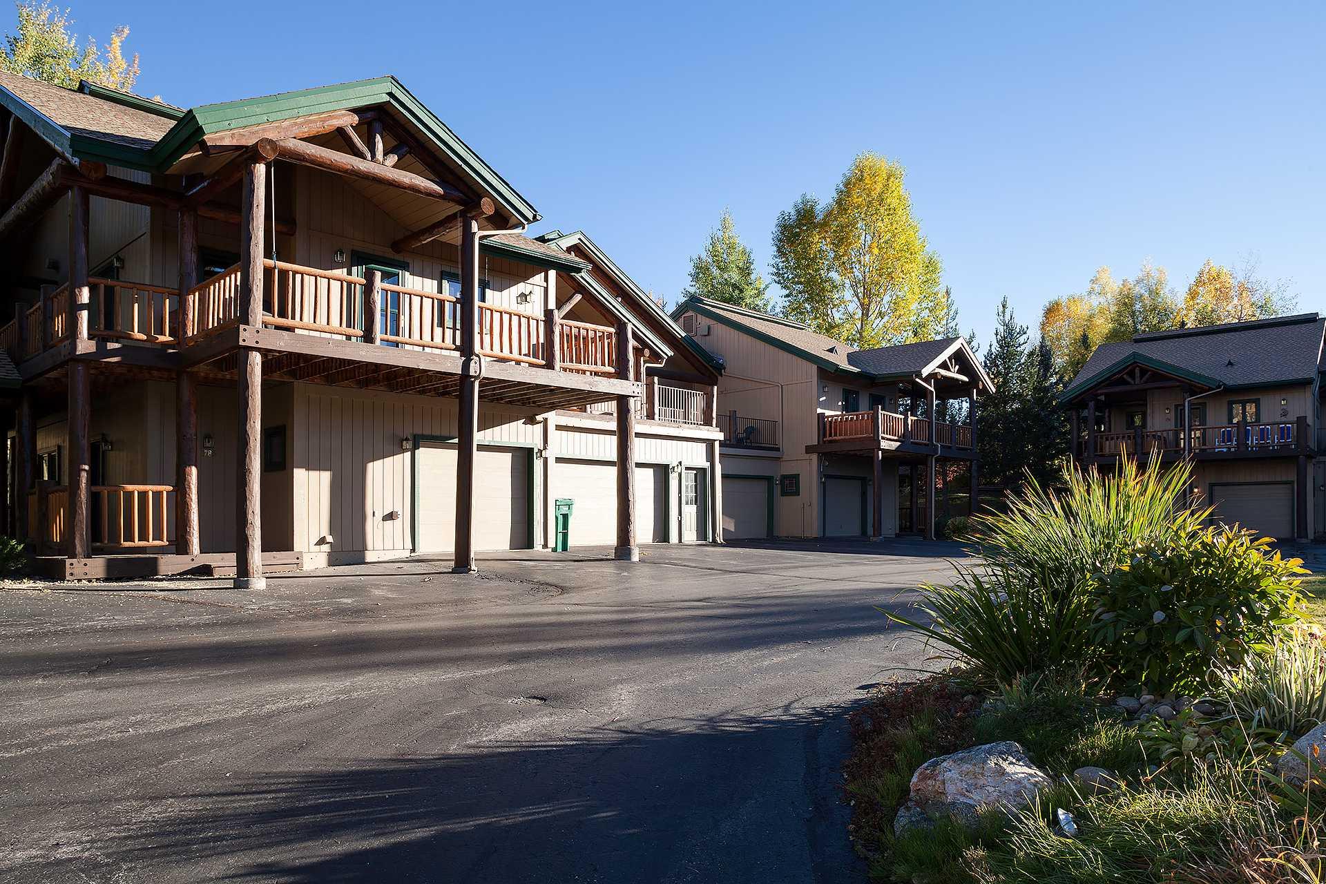 SC715 - Saddle Creek Townhomes