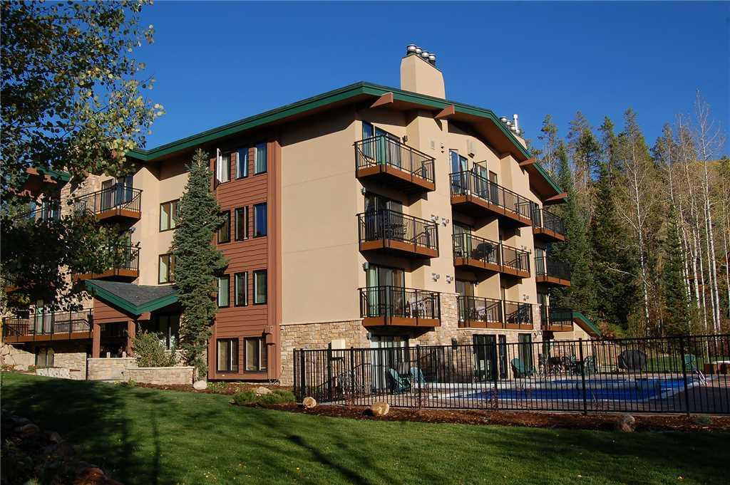 SL101 - Scandinavian Lodge and Condominiums