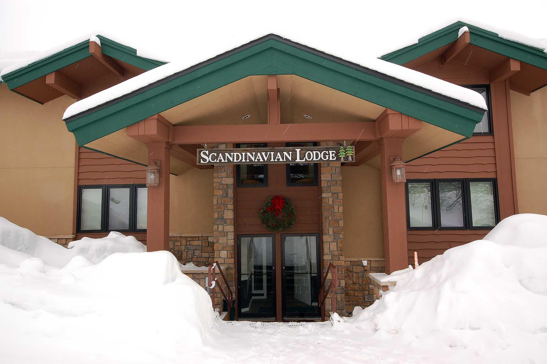 SL106 - Scandinavian Lodge and Condominiums
