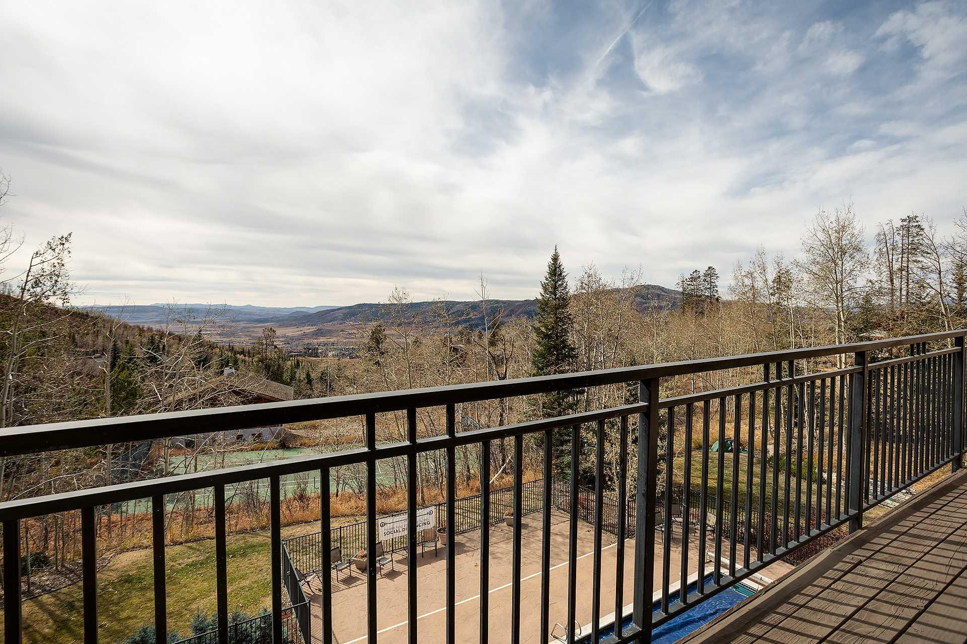 SL300 - Scandinavian Lodge and Condominiums