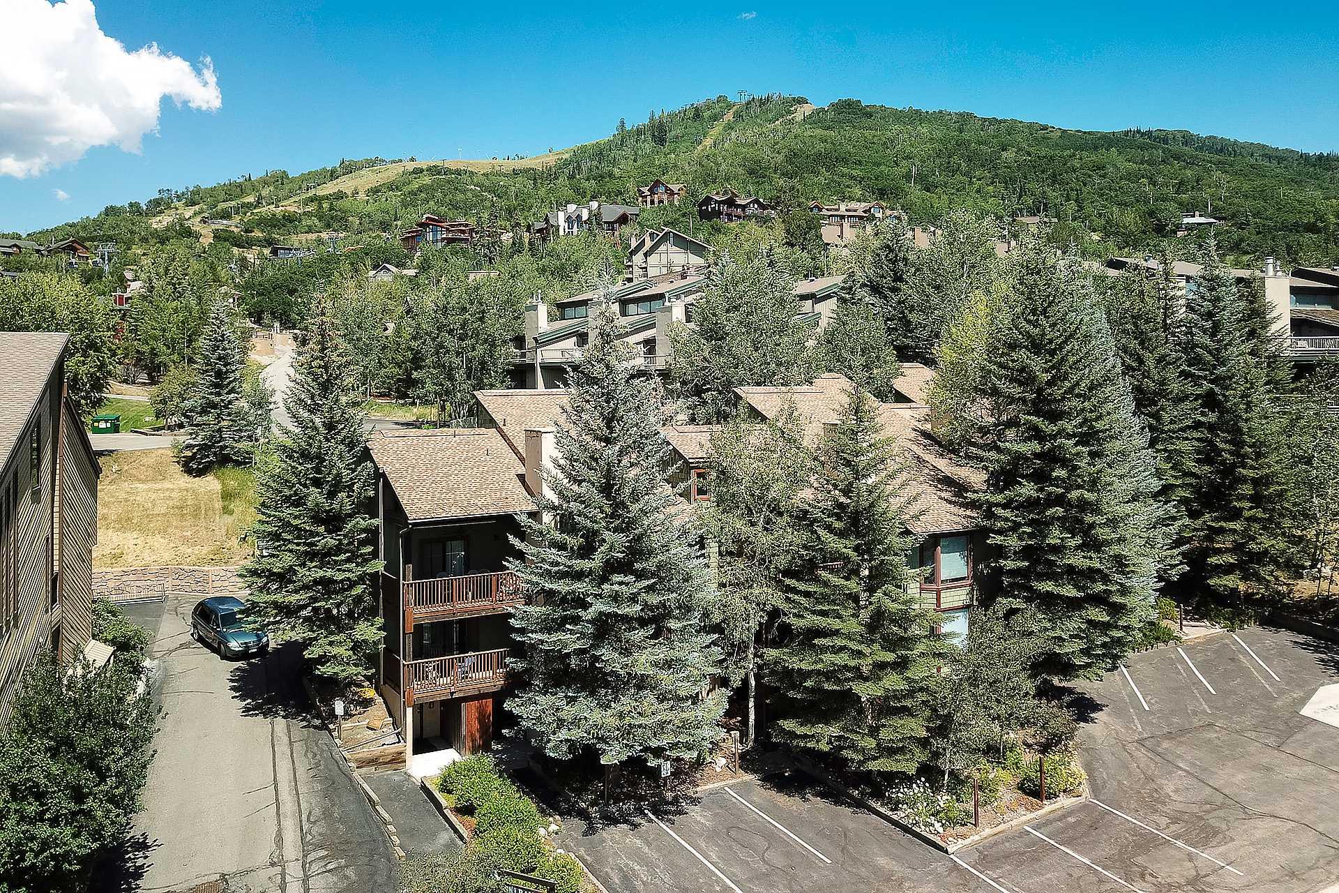 SR104 - Ski Ranch Condominiums