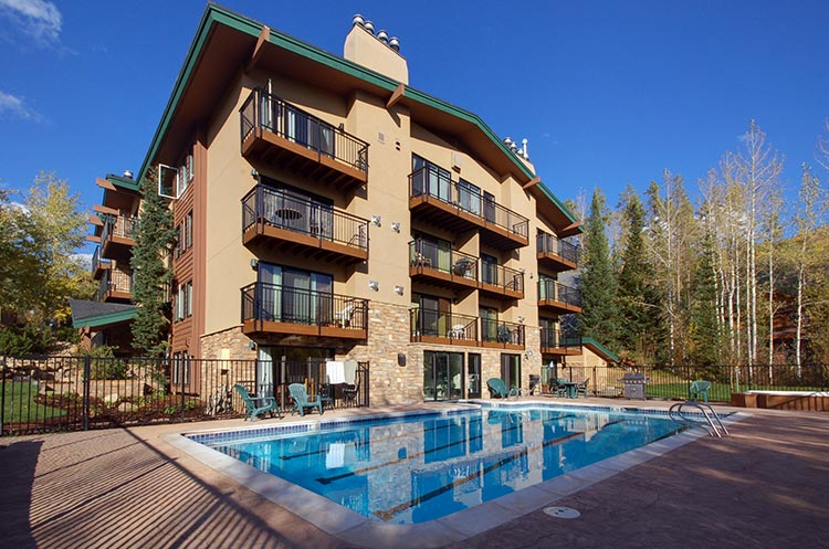 Scandinavian lodge and condominiums steamboat springs for Cabins in steamboat springs